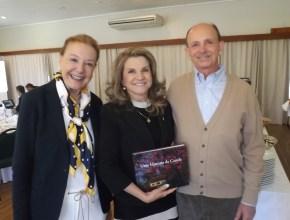 Sr Regis Correa e sra com a diretora do Festuris, Marta Rossi