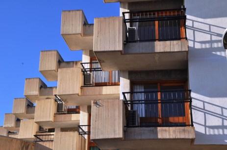 Hifrensa, Bonet, Antoni, Hospitalet de l'Infant, modern architecture, singles residence, solteros
