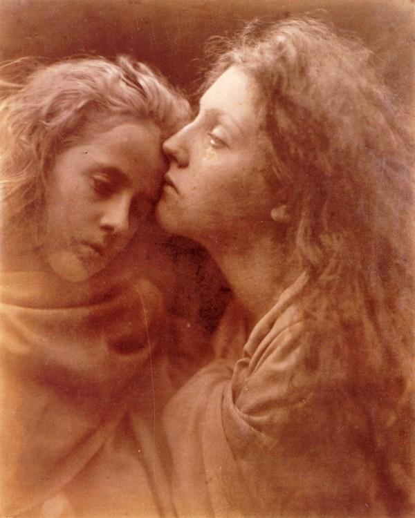 cristinaarce_biography_master_photographer_cameron08_the_kiss_of_peace