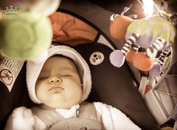 cristinaarce_cristinaphotostudio_behind_scenes_family_portrait_loved_mom_baby_susan01