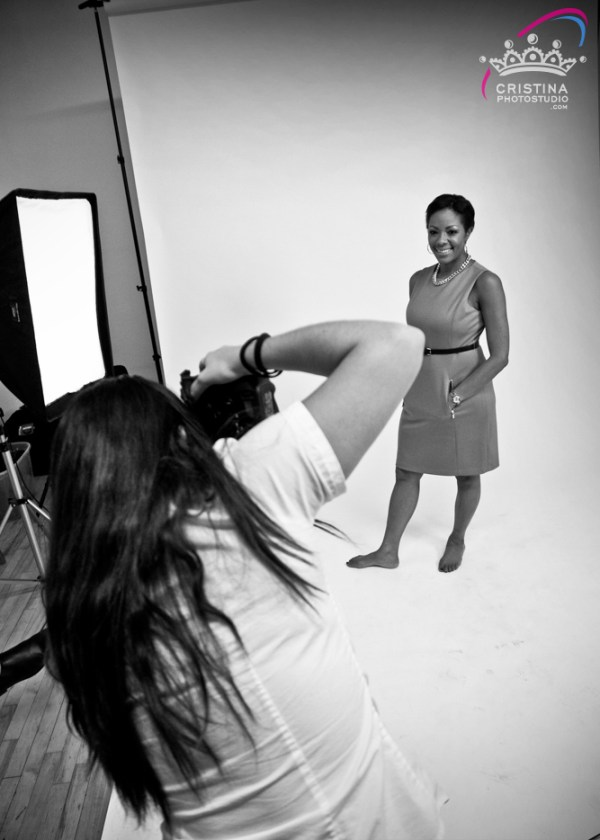 cristinaarce_cristinaphotostudio_behind_scenes_modern_businesswoman_photoshoot_davelle02