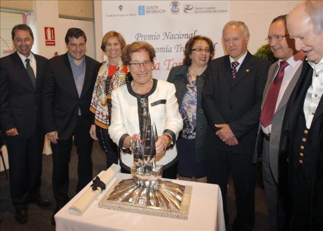 """20140424 6191514w - La madre de los Roca, premio 'Lola Torres', dice que la cocina """"cuesta mucho"""""""