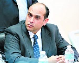 Roberto Salinas actuario y miembro de la junta interventora del IHSS.