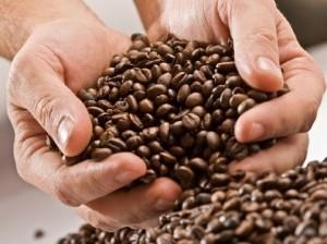 Cafe en manos