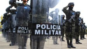 Juan Hernandez sigue militarizando el país a pesar de las fuertes críticas de los senadores estadounidenses.
