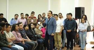 Crean la Beca Miguel Hidalgo para estudiantes hidalguenses