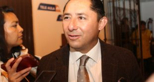 Acusan a Raúl Camacho Baños por cierre de negocio