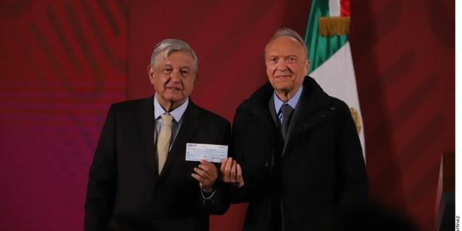 Entrega FGR a Gobierno 2 mil millones de pesos recuperados