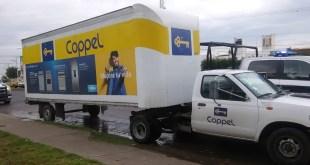 Roban camionetas con muebles de una bodega en Mineral de la Reforma