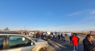 Bloquea sindicato de la UPP carretera Pachuca-Sahagún