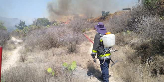 Se registra un incendio en La Concepción, en San Agustín Tlaxiaca