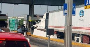 Choca tráler contra caseta en la México-Pachuca