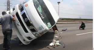 Deja volcadura al menos 8 lesionados en la México-Pachuca