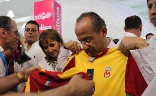Felipe Calderón condena la mudanza de Monarcas a Mazatlán