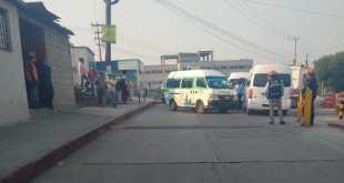 En Tepeji, protestan choferes vs empresa que puso transporte a personal