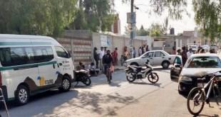 Pobladores retienen 2 combis en Tula, exigen que les devuelvan mototaxi