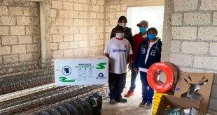 Con donaciones, construyen casa de familia en el Saucillo