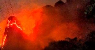 Continua combate en incendio en Tepoztlán