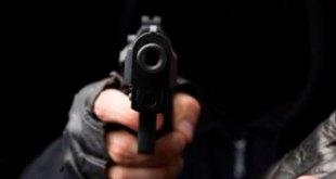 Delincuentes asaltan ferretería en Francisco I. Madero y huyen