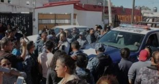 Retienen a dos sujetos en Tuzos por presunto robo a casa