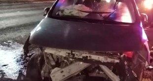 Conductor impacta su auto en la Pachuca-Tulancingo