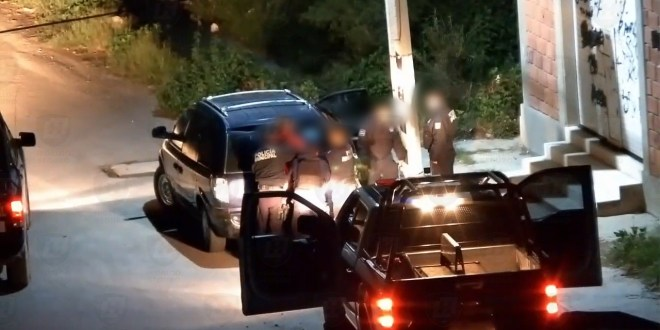 Frustran robo a vehículo en Tula; lo detienen a bordo de unidad