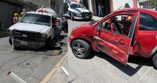Cuatro lesionados tras accidente de una pipa en Tulancingo
