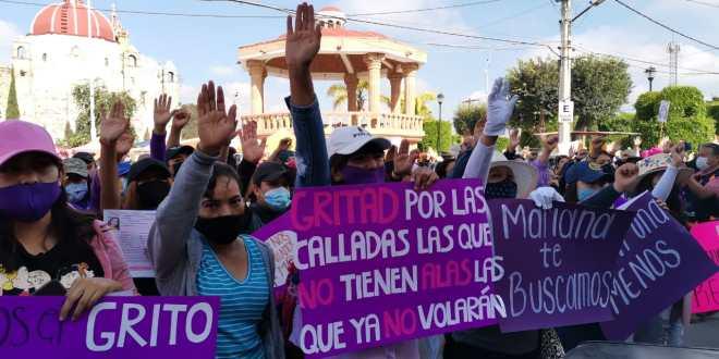 Colectivos manifiestan contra feminicidios