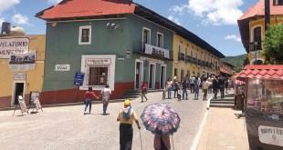 Real del Monte turistas siguen sin utilizar cubrebocas