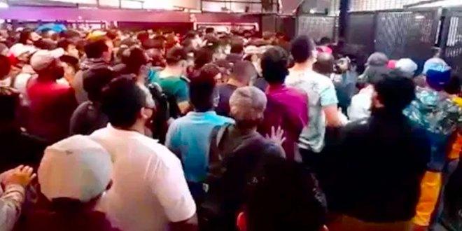 sana distancia cubrebocas abarrotan estación Pantitlán metro