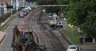 Piden precaución al conducir por obras de balizamiento en bulevar Felipe Ángeles