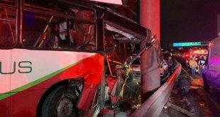 Deja 12 lesionados choque de Mexibús en la autopista México-Pachuca