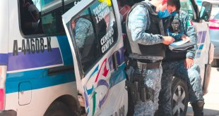 combis transporte público chocan bulevar Colosio