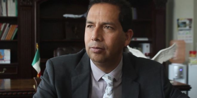 Diputado de Morena reta a golpes a regidor de Atotonilco