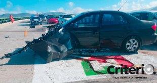 Choca auto distribuidor vial Zona Plateada