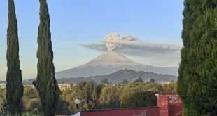 Cenizas del Popocatépetl dibujan catrina