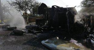 Camión cargado con gas LP se incendia en Tecozautla