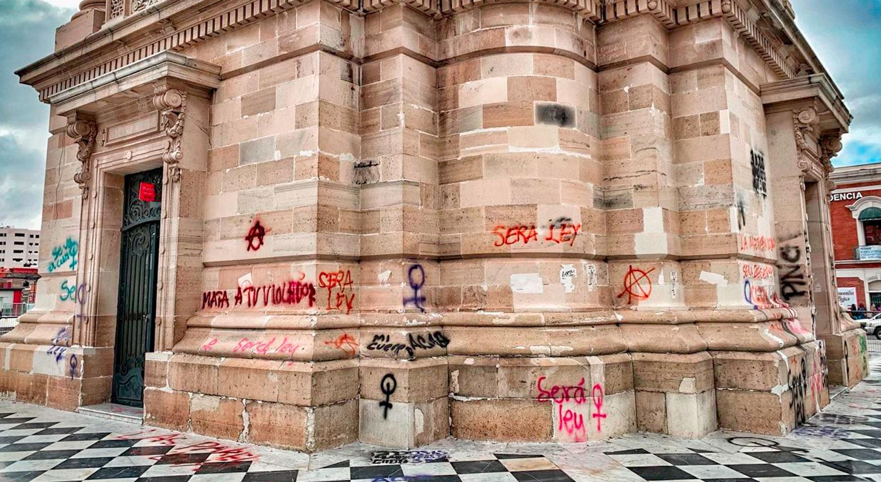 Autoriza Inbal a Concejo de Pachuca restaurar Reloj Monumental