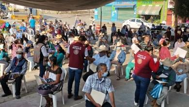 Aplican en Jaltocán vacuna contra Covid-19 a adultos mayores