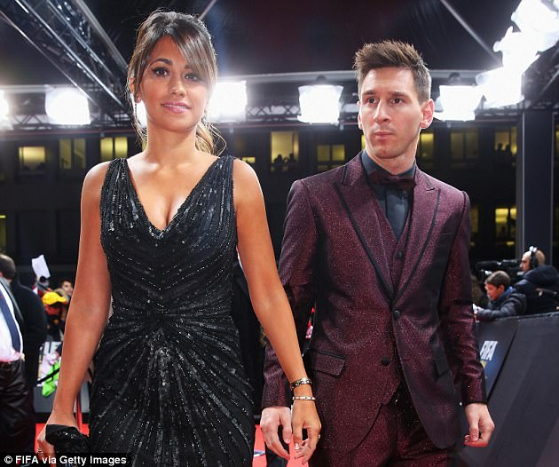 41D5AE0800000578-0-Lionel_Messi_is_due_to_marry_his_childhood_sweetheart_Antonella_-a-65_1498754594454