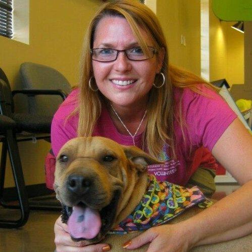 nicole e1564767240385 Critter Caretakers Pet Services Nicole Lueders Mesa Pet Sitter