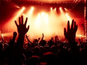 Concert-Crowd-000065954065_Medium