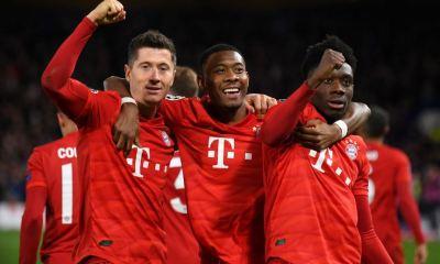 Los jugadores del Bayern Munich celebraron la victoria con contundencia 3-0 de visita contra el Chelsea. (Foto: Bayern Munich)