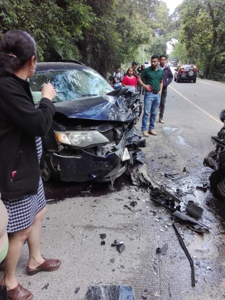 Los vehículos chocaron de frente y provocaron el cierre de la ruta. (Foto: Eduardo Sam)