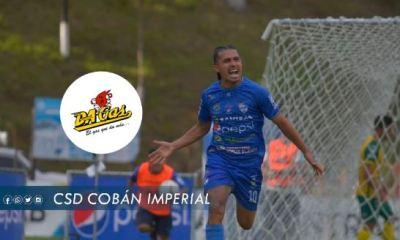 El salvadoreño Gerson Mayen grita el primer gol de Cobán en el partido contra Guastatoya en el Estadio Verapaz. (Foto: Cobán Imperial)
