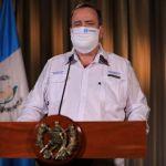 El presidente Alejandro Giammattei durante su mensaje a la población este martes 14 de abril del 2020. (Foto: SCSP)