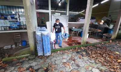 Camas, ropa, alimentos son donaciones que se han entregado a las familias afectadas.