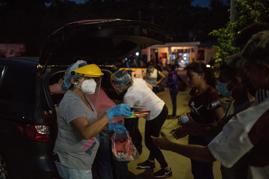 El Gobierno de Honduras de Honduras rechazó las acusaciones del vicecanciller guatemalteco, quien dijo que el gobierno de ese país se negaba a recibir a sus connacionales retornados. (Foto: EFE)