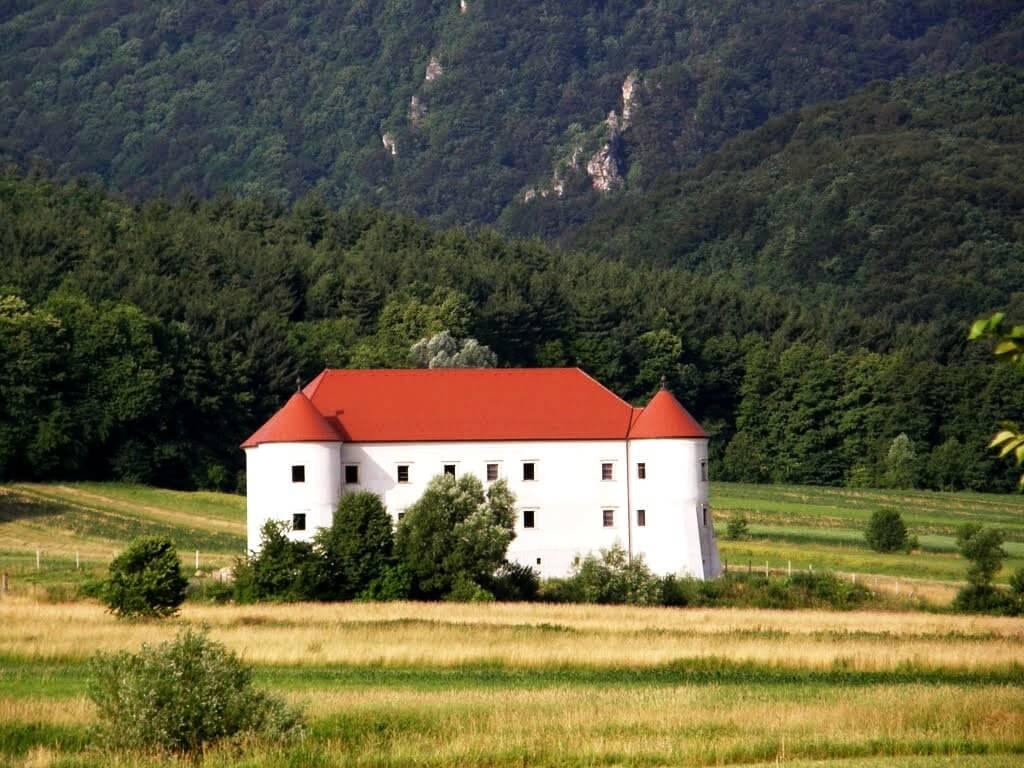 Castle Bela