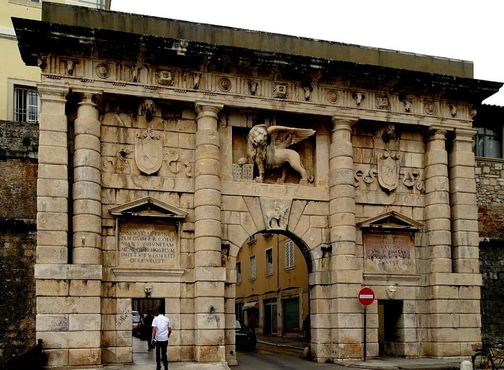 Land Gate, Zadar